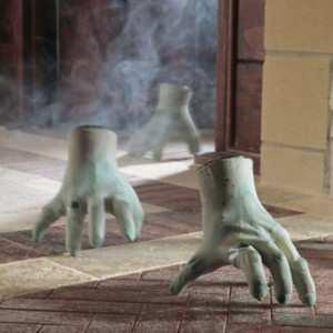 Crawling halloween monster hand 566